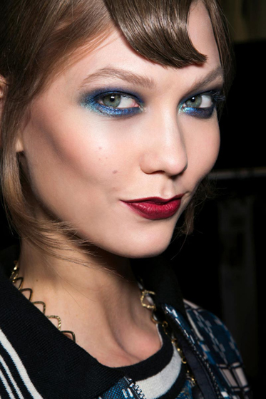 Maquillaje para los ojos, el olor azul como protagonista
