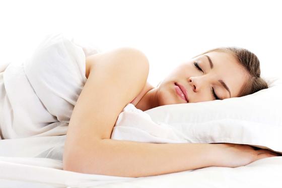cuidados_piel_verano_dormir